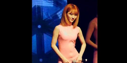 韩国美女SixBomb 多敏 紧身衣 太显身材了
