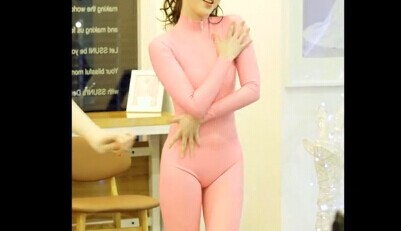 韩国女团SixBomb瑜晶 香肠舞 紧身衣看的很清晰