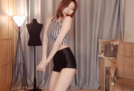 韩国女主播 米娜 小短裤热舞