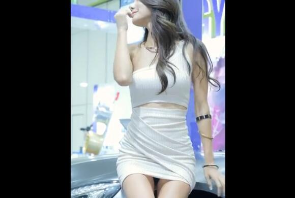 韩国性感车模 尹美珍 2017 首尔汽车沙龙