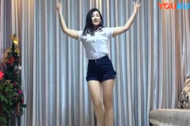 很火很有魔性的《泰国情歌》性感美女大长腿