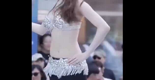韩国美女 骚动舞姿 皮肤真白