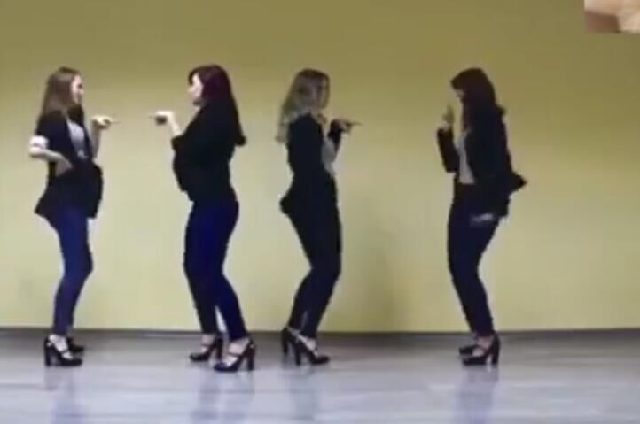 四个俄罗斯长腿大美女 热舞