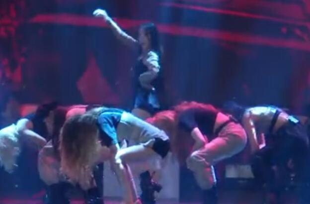 韩国女团 GIDLE回归首秀 宋雨琦领军 激情热舞