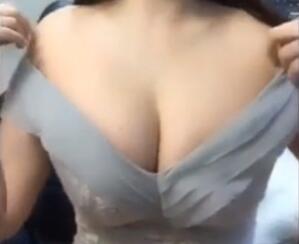 韩国美女 尹智吾 福利视频 就问你大不大