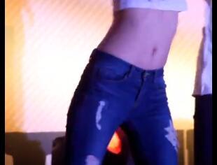 韩国女团 stellar 不一样的感觉 牛仔裤 热舞