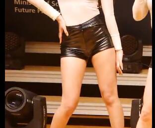 韩国女团 AOA - (Elvis) (雪炫) 皮裤热舞