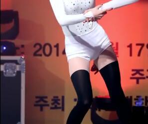 韩国女团 Stellar 短裤+黑丝 饭拍视频