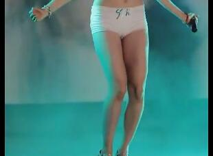 韩国女团 Bambino 朴恩率 齐B裤+美腿 饭拍