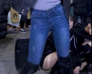 韩国美女 街头 牛仔裤+长靴 热舞