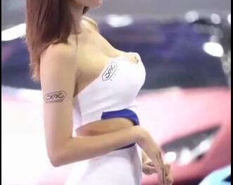 韩国美女车模 这身材怎么样