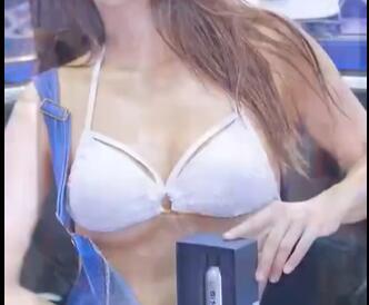 韩国美女车模  柳多妍 性感小吊带