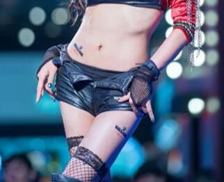 韩国美女主播  许允美 性感写真集