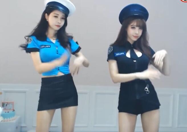 韩国女诉番 赵世熙 制服装 双人秀