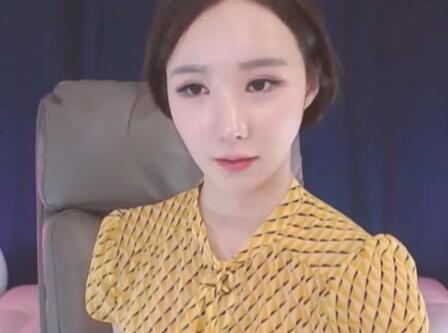 韩国女主播 青草小姐姐 也来吃播了