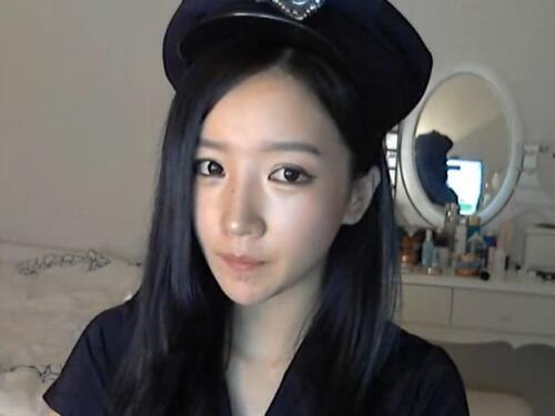 韩国女主播 朴妮唛 制服 男人的启蒙老师
