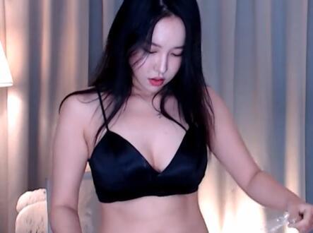 韩国女主播 BJ银河 吊带+齐B裤