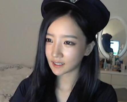 韩国女主播 朴妮唛 制服 女警 咬手指