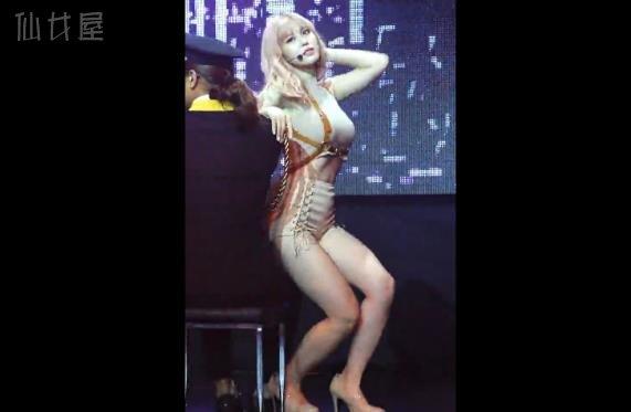 Secret全孝盛抖奶舞MV邪恶饭拍视频-《Taxi Driver》&《Into You》Showcase 150507
